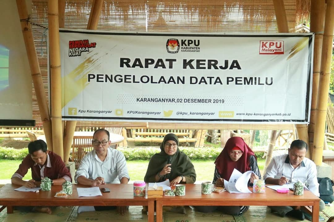 Rapat Kerja Pengelolaan Data Pemilu di Resto Sawah, Pakel, Karangpandan, (2/12/2019)